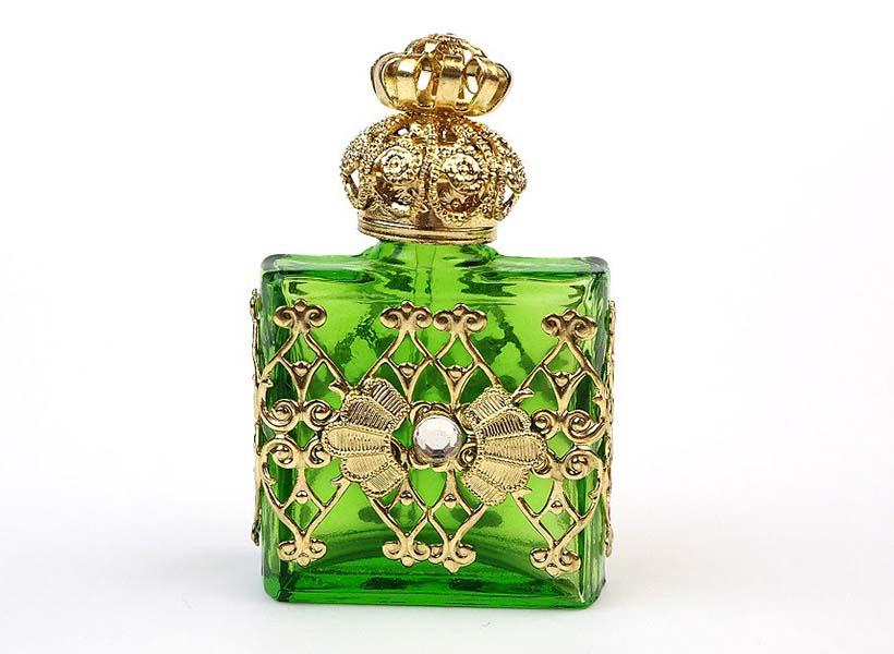 【KUROKABE】チェコ製香水瓶